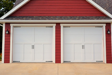 Carriage house overlay 5300 for Wood overlay garage doors