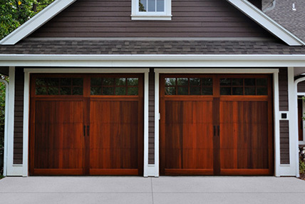 Carriage house overlay 5700 for Wood overlay garage doors